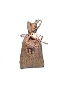 Detalle de boda saco con té